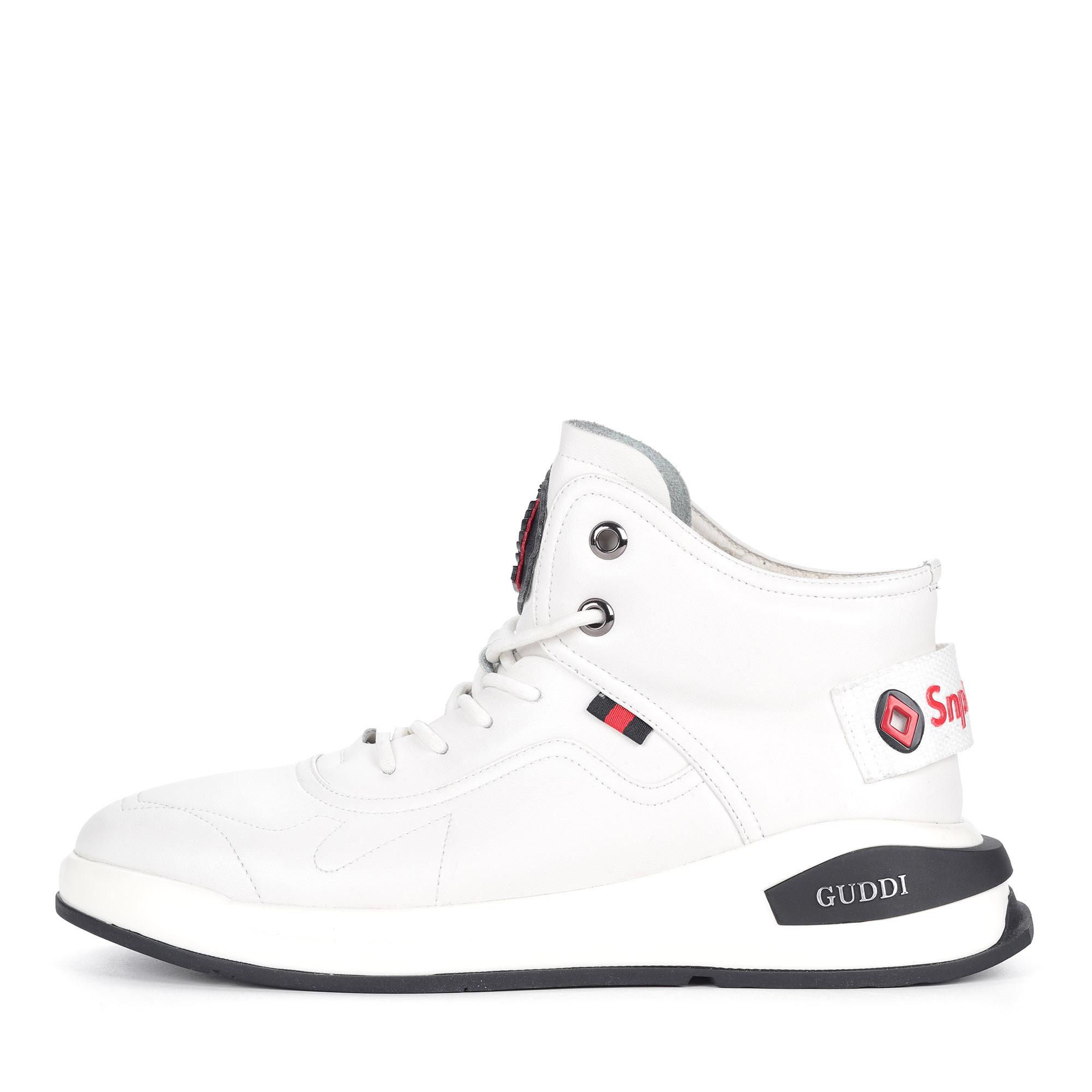 Белые кроссовки из кожи на шнуровке1