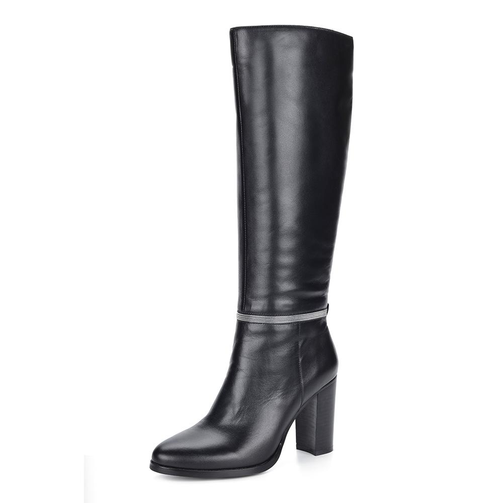Черные кожаные сапоги на каблуке