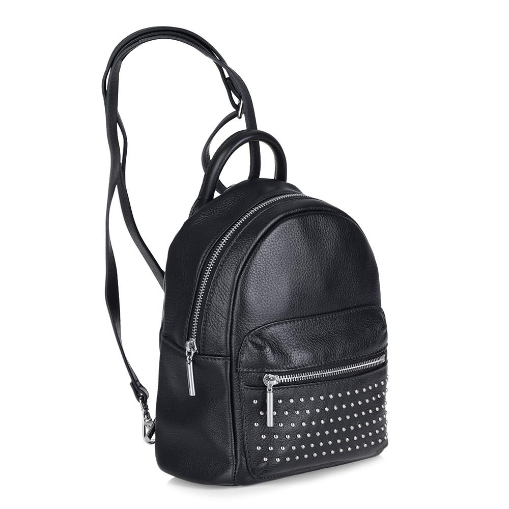Черный рюкзак из кожи с металлическим декором