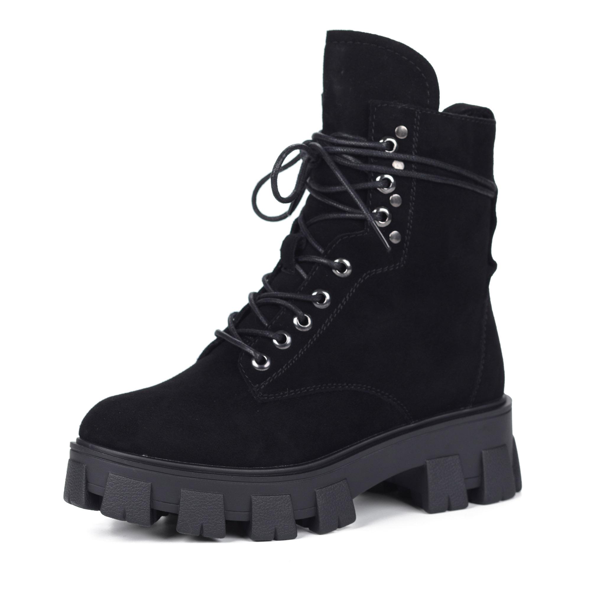 Черные ботинки из велюра