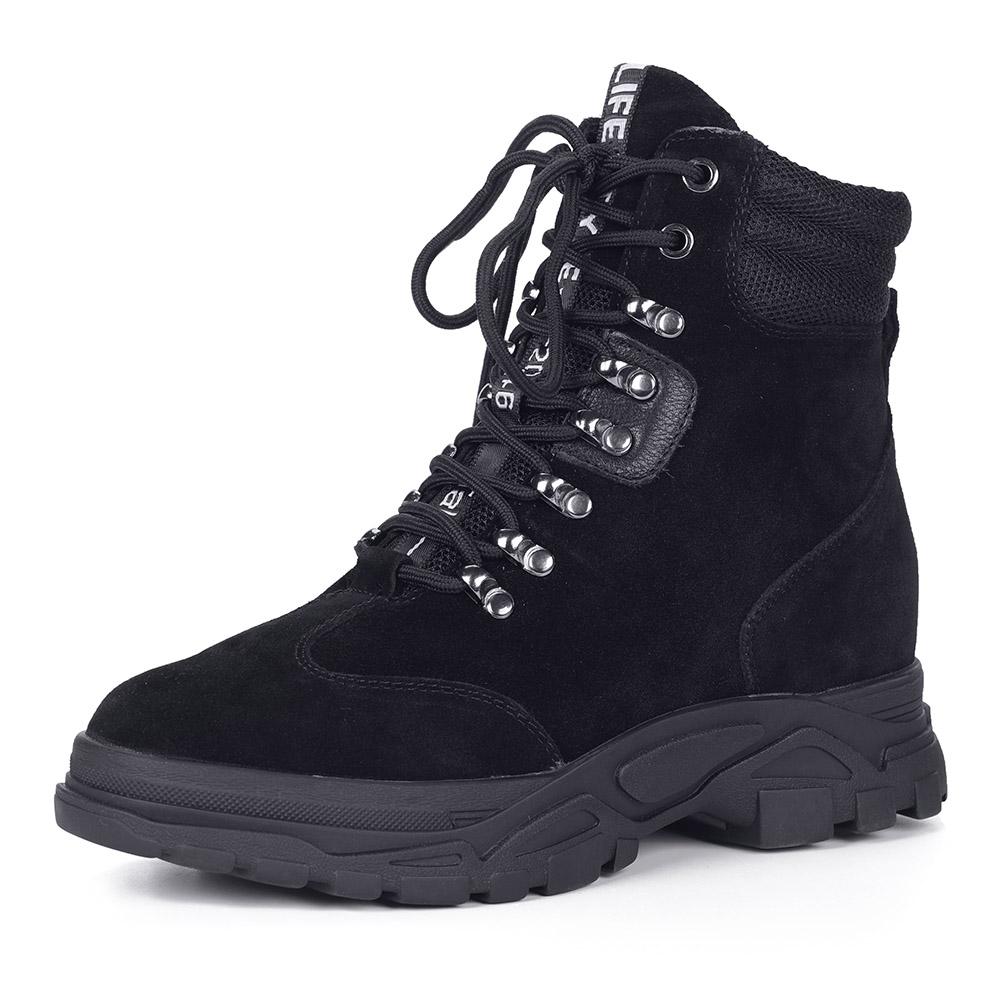 Черные велюровые ботинки на массивной подошве