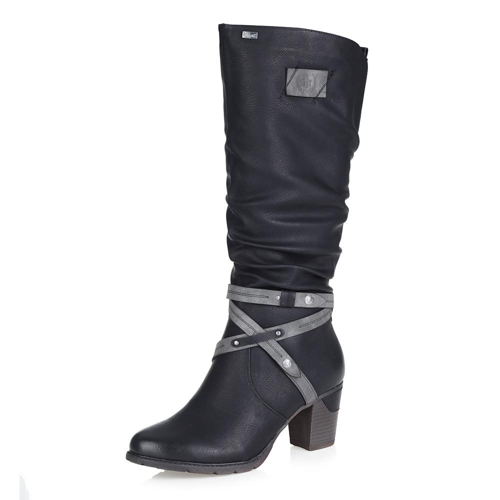 Черные сапоги на среднем каблуке