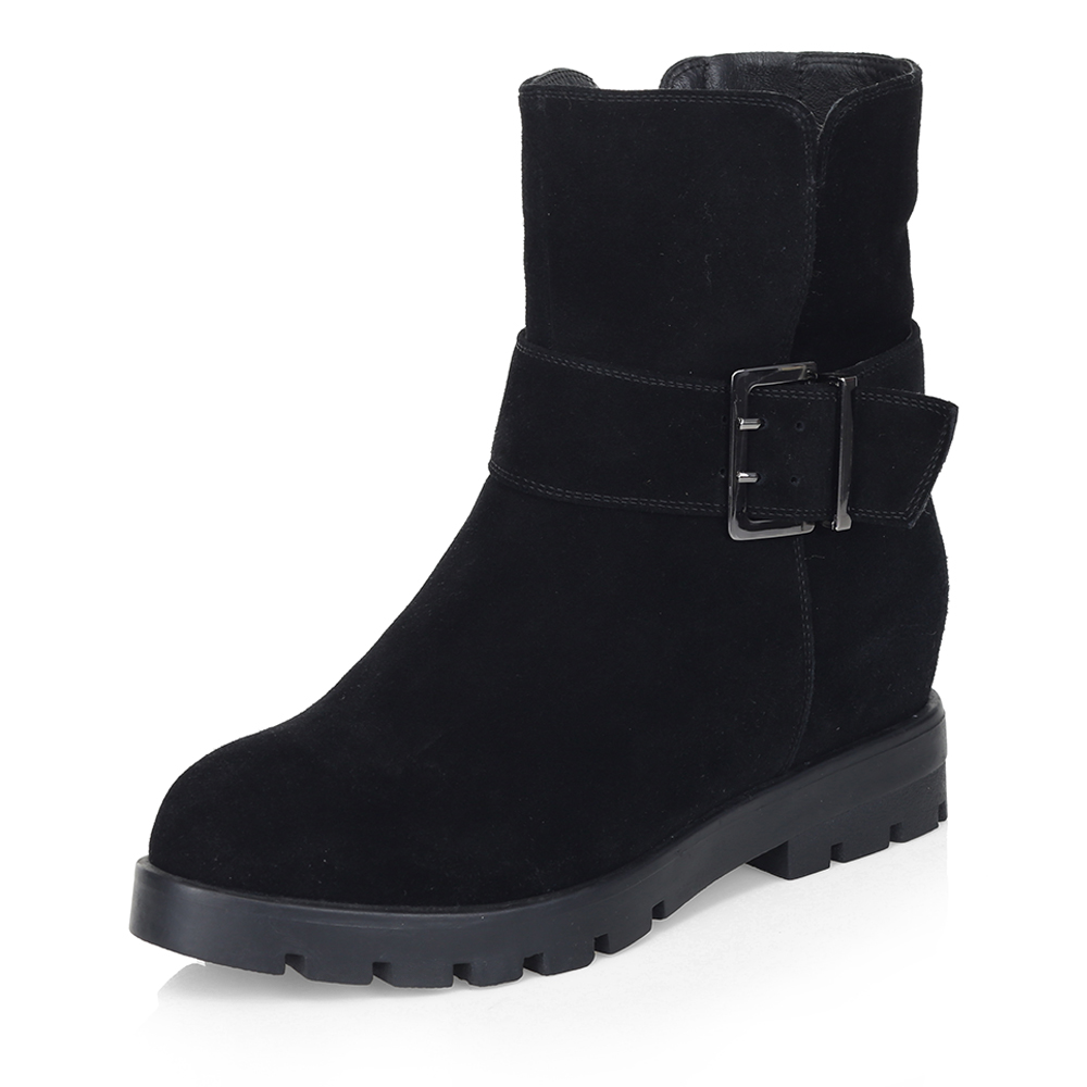 Черные ботинки с широким ремешком