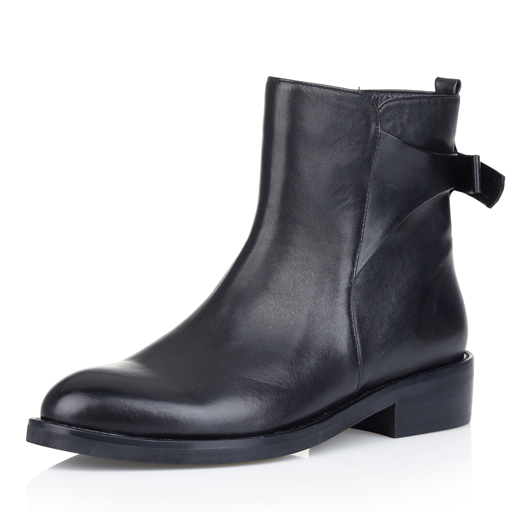 Купить со скидкой Кожаные ботинки чёрного цвета