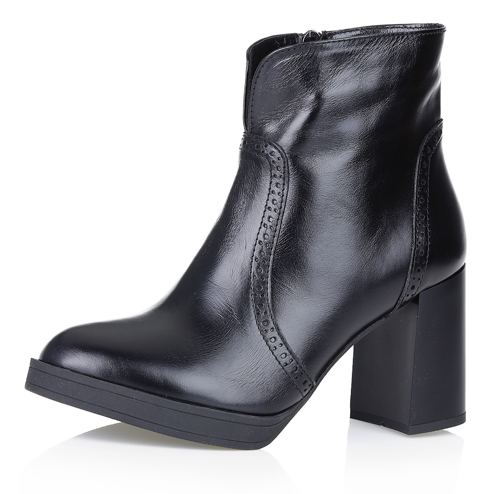Купить со скидкой Черные ботинки из гладкой кожи