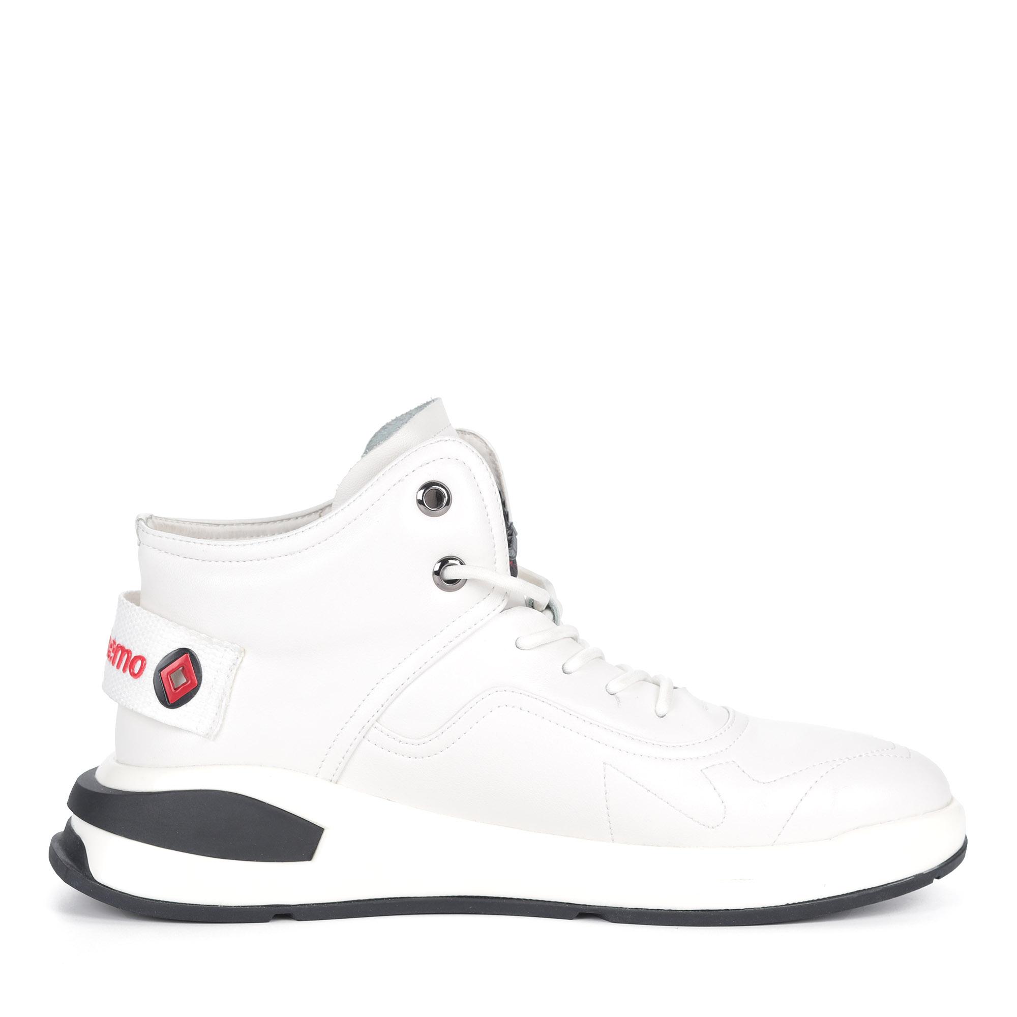 Белые кроссовки из кожи на шнуровке2