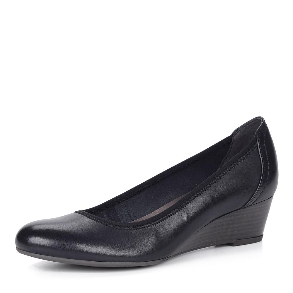 Черные кожаные туфли на танкетке от Tamaris