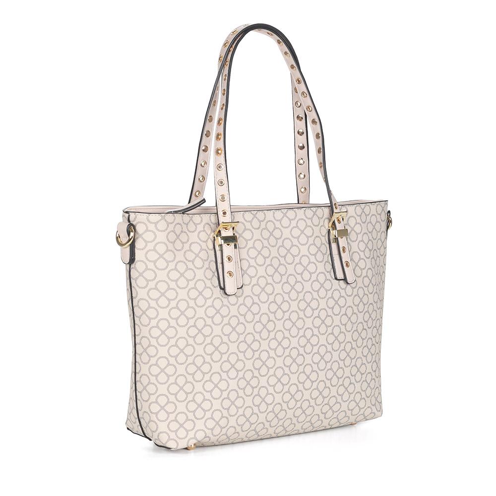Белая сумка с декором