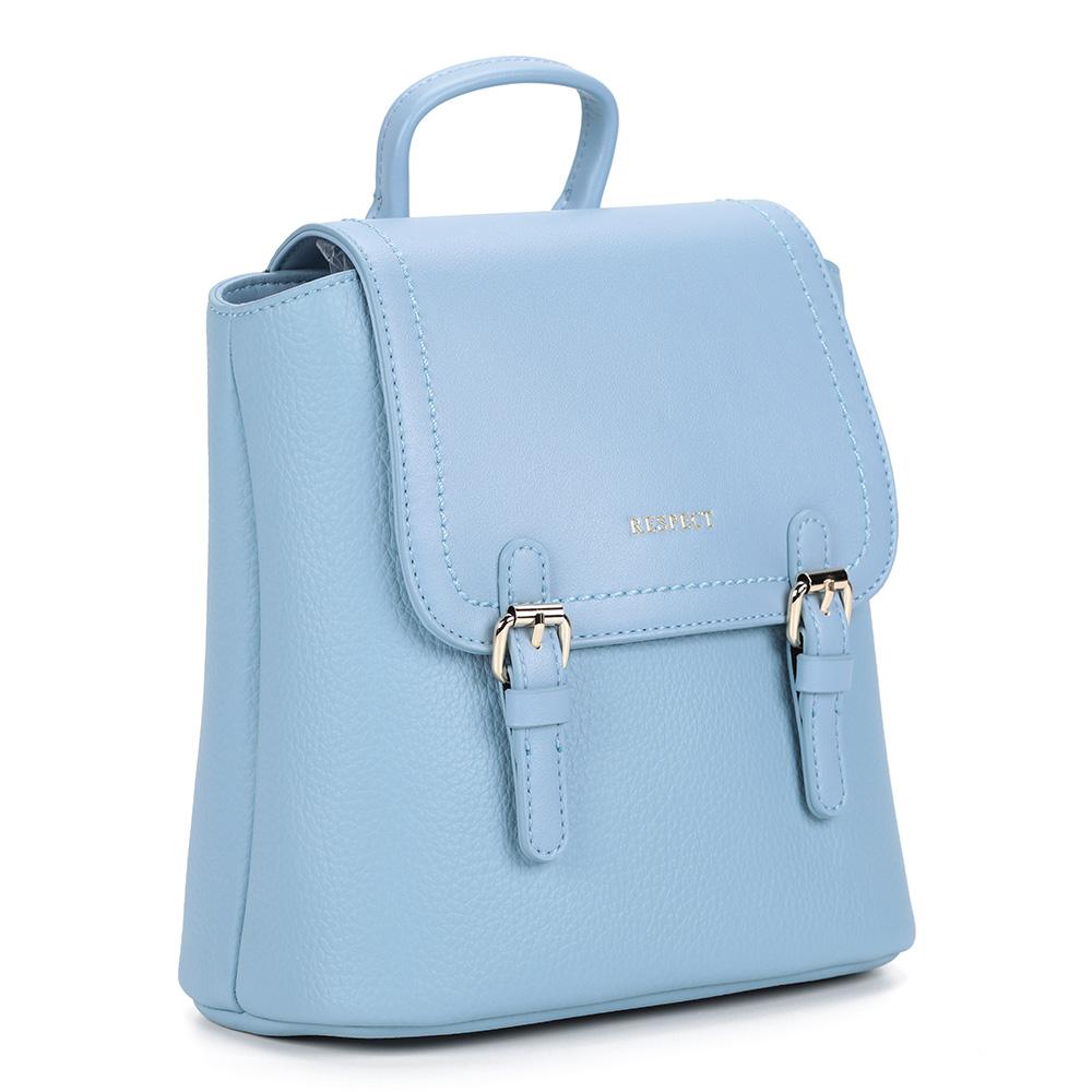 Рюкзак нежно голубого цвета, квадратной формы фото