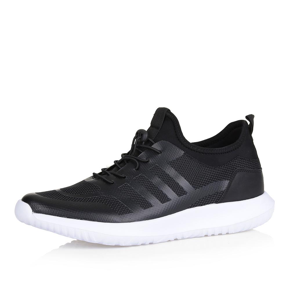 Черные кроссовки на контрастной подошве фото