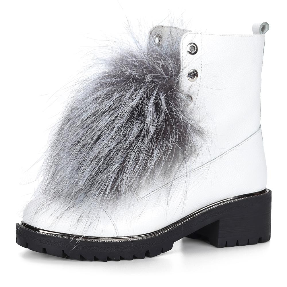 Белые ботинки из кожи с меховым декором