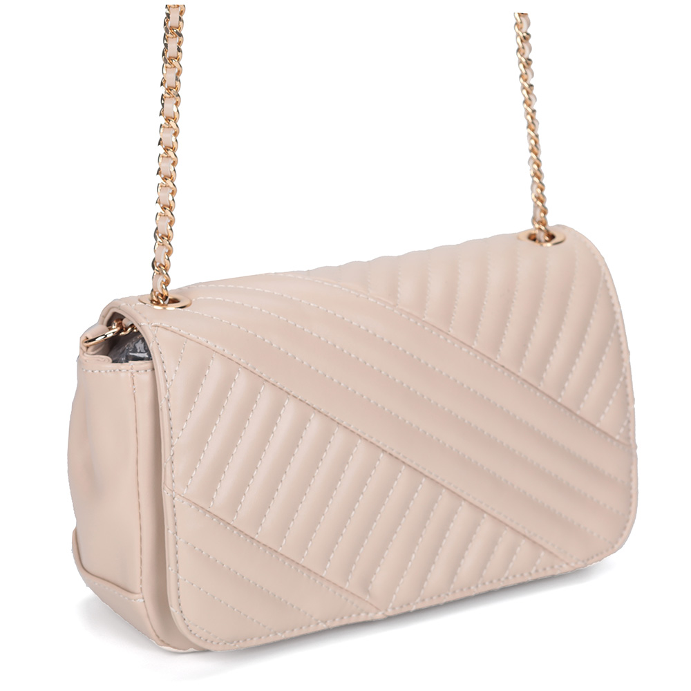 Бежевая сумка через плечо с декоративной прошивкой фото