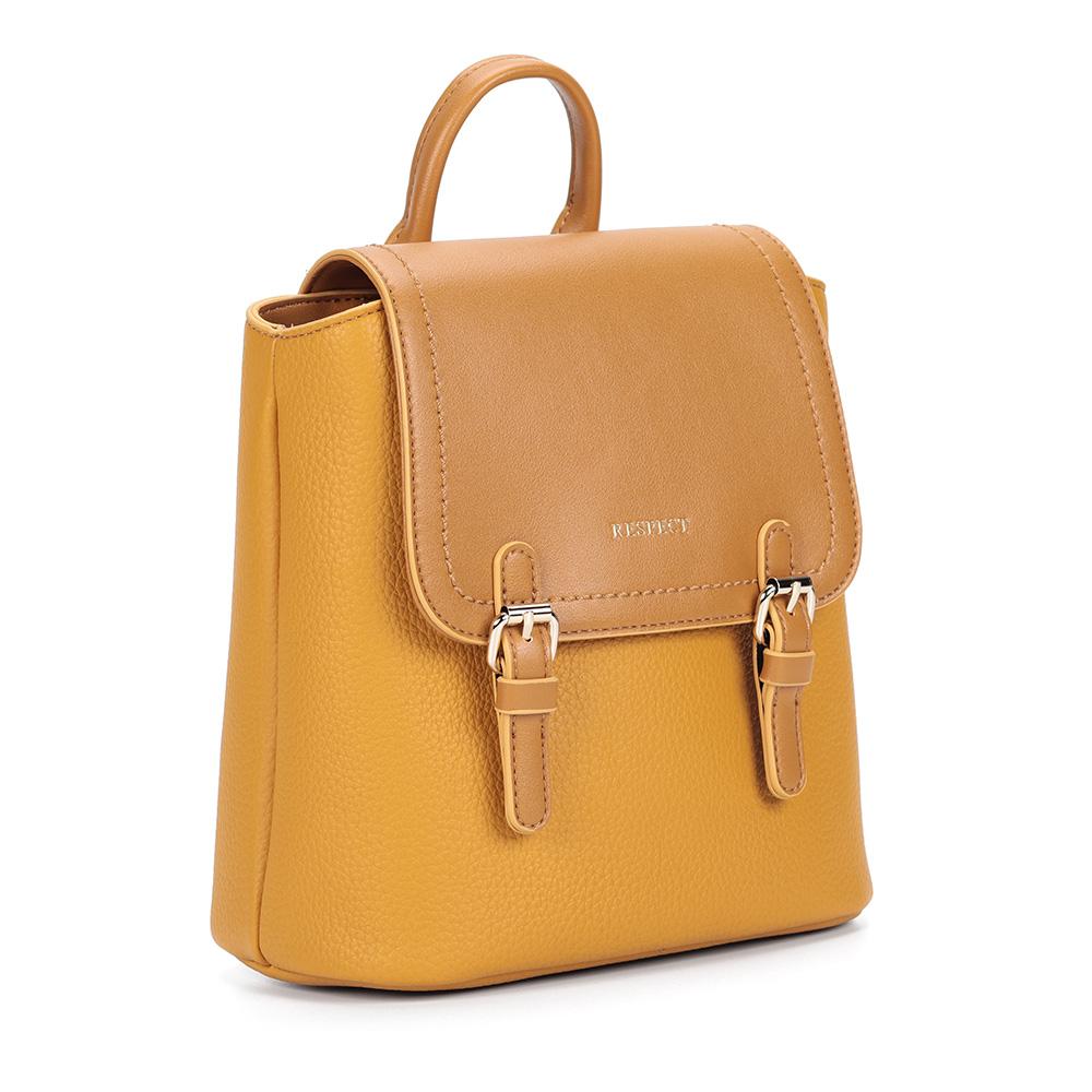 Рюкзак горчичного цвета квадратной формы фото