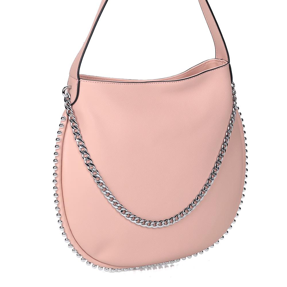 Розовая сумка с железными элементами декора