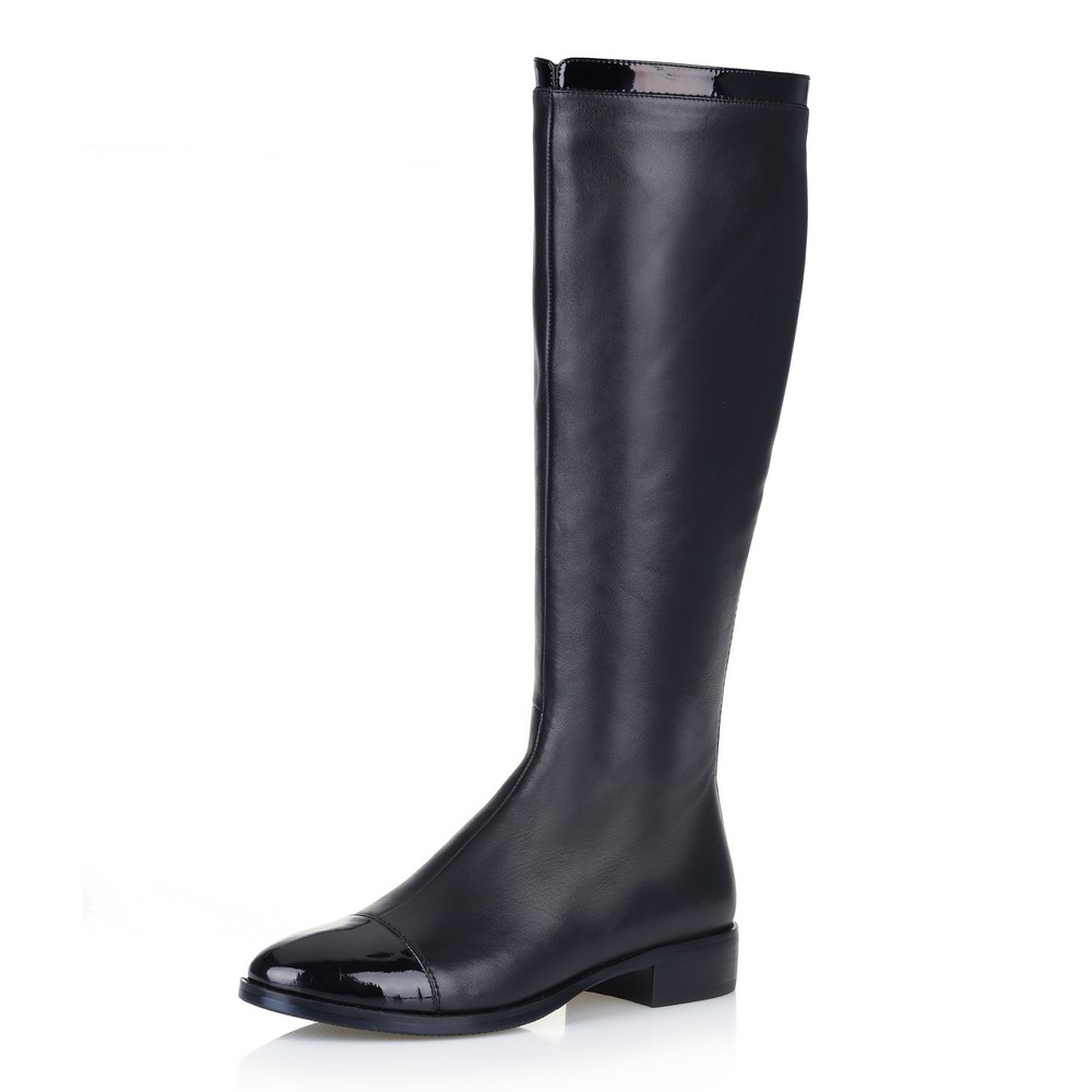 Фото - Кожаные сапоги чёрного цвета цвет чер.