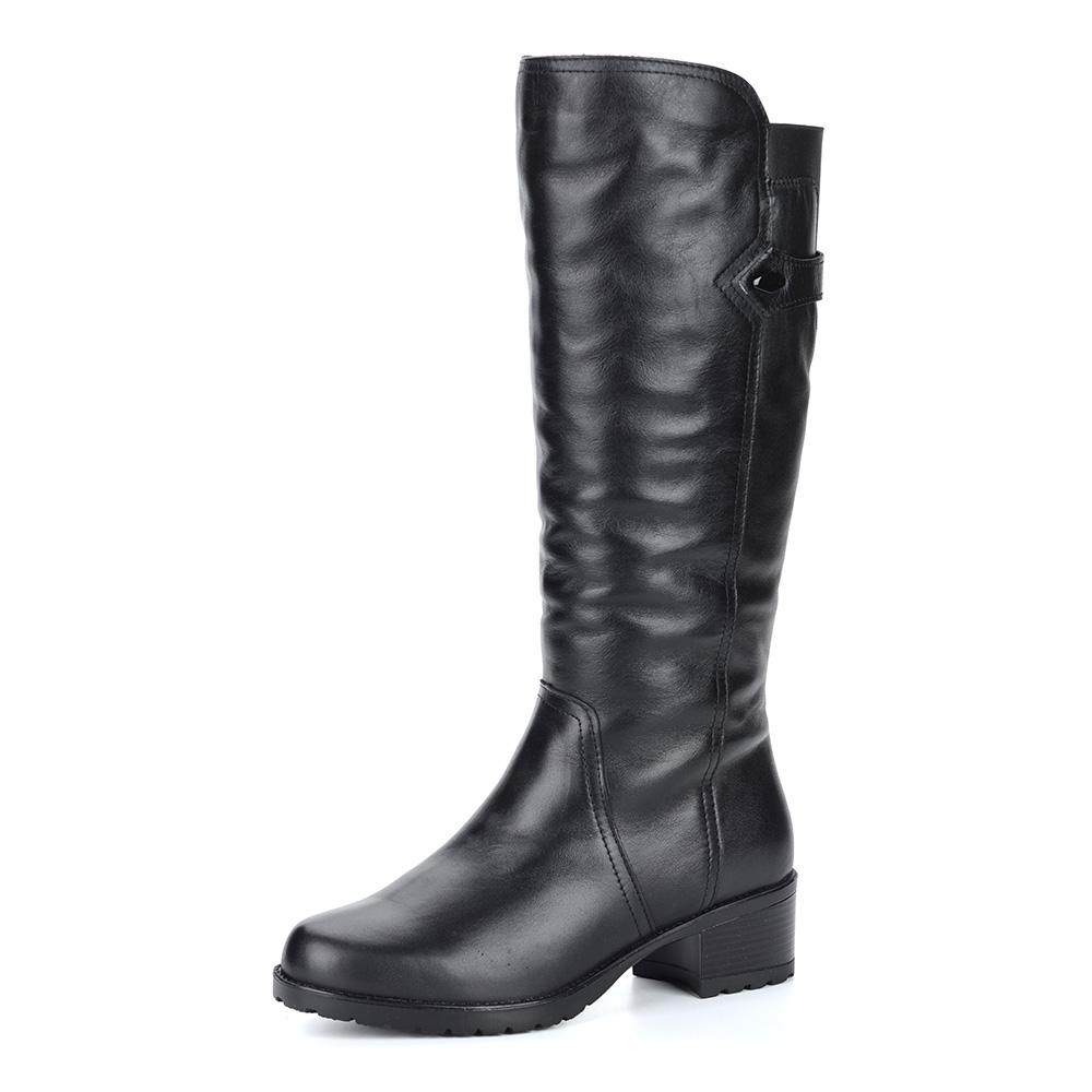 Черные кожаные сапоги на небольшом каблуке