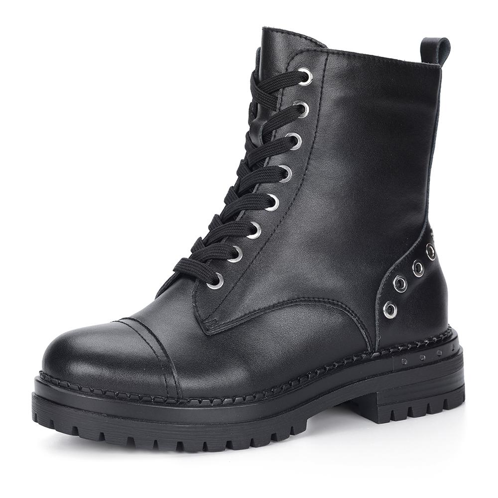 Черные ботинки на шнуровке с клепками