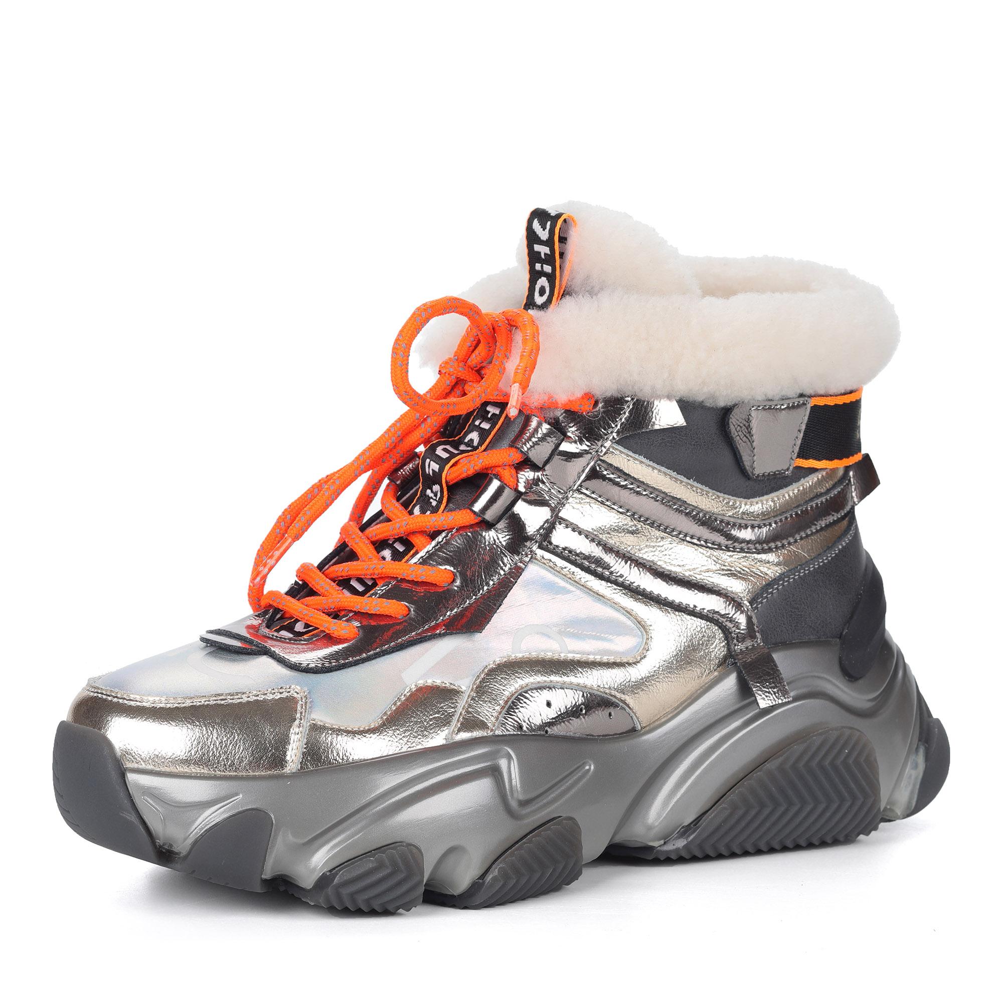 Серебряные кроссовки из комбинированных материалов на утолщенной подошве