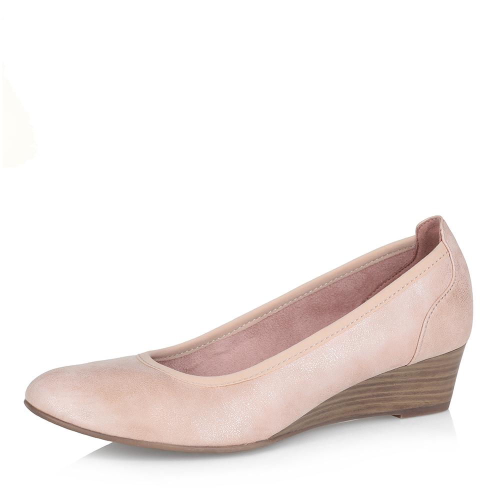 Светло-розовые туфли-лодочки на танкетке фото