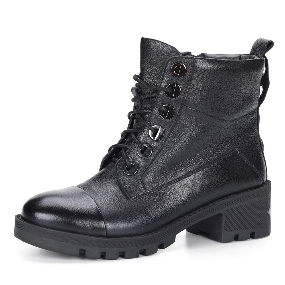 Ботинки из кожи на шнуровке в черном цвете