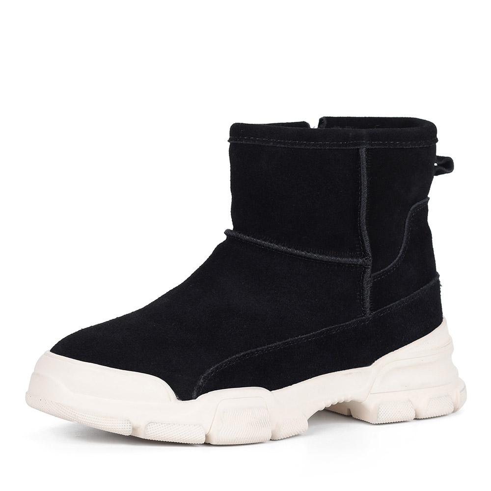 Черные ботинки на белой подошве из велюра