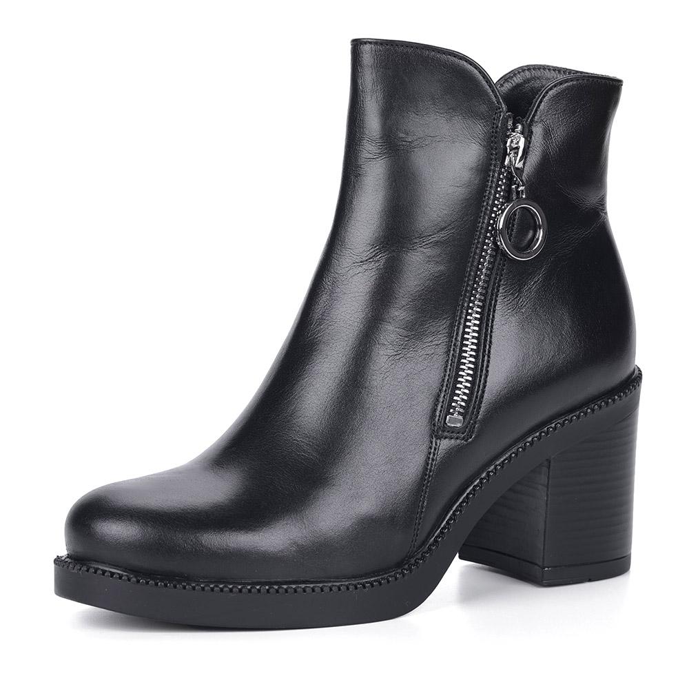 Черные кожаные ботинки на каблуке