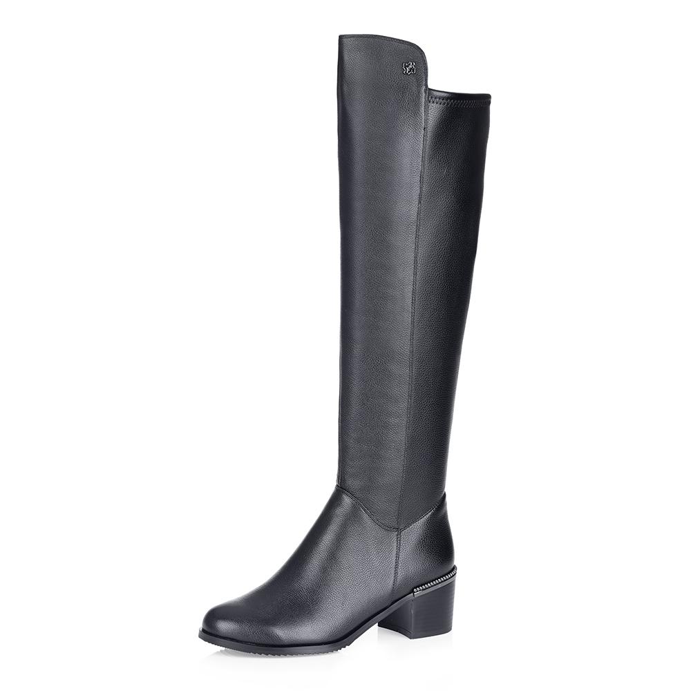 Купить со скидкой Черные кожаные ботфорты на среднем каблуке