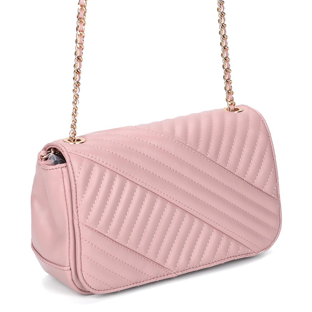 Розовая сумка через плечо с декоративной прошивкой фото