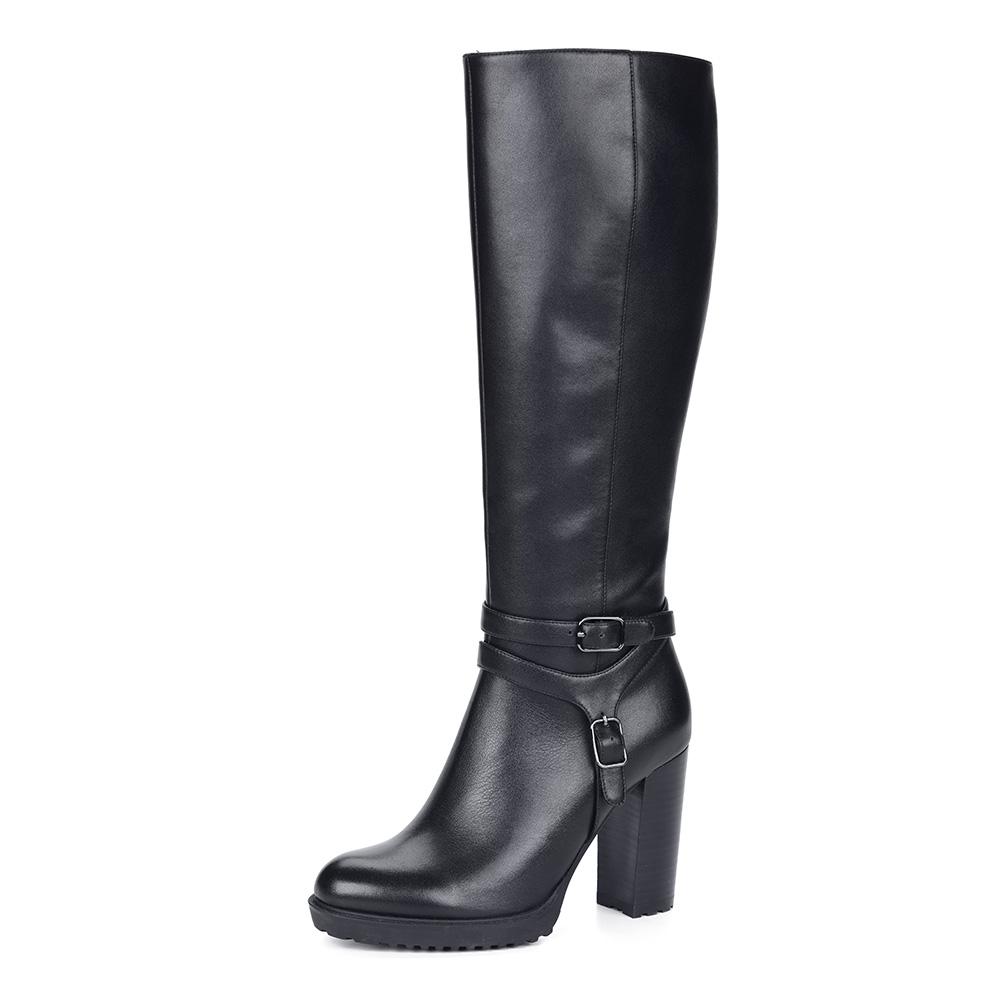 Черные сапоги из кожи на устойчивом каблуке