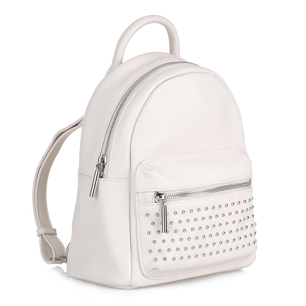 Белый рюкзак из кожи с металлическим декором