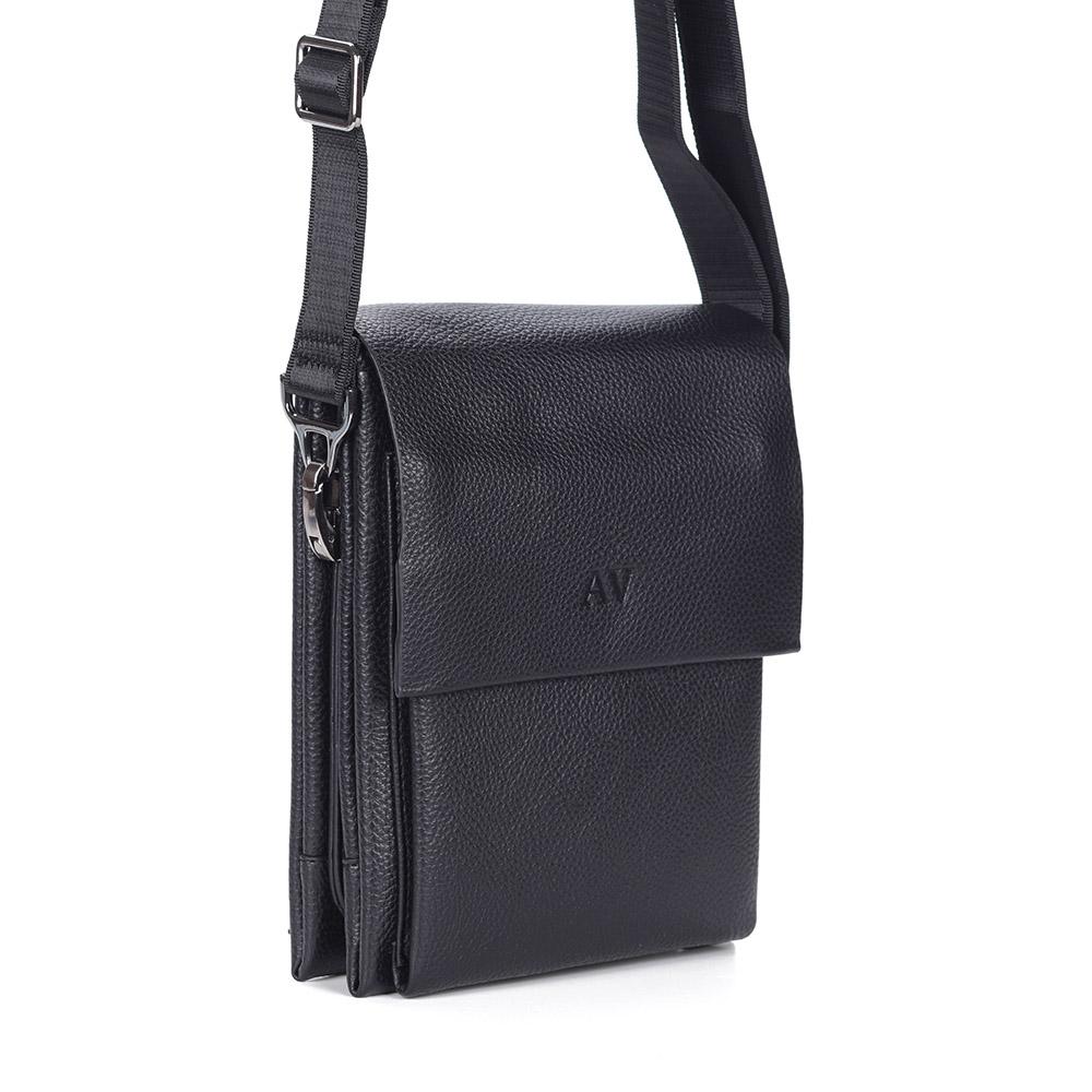 Черная сумка на плечо из кожи