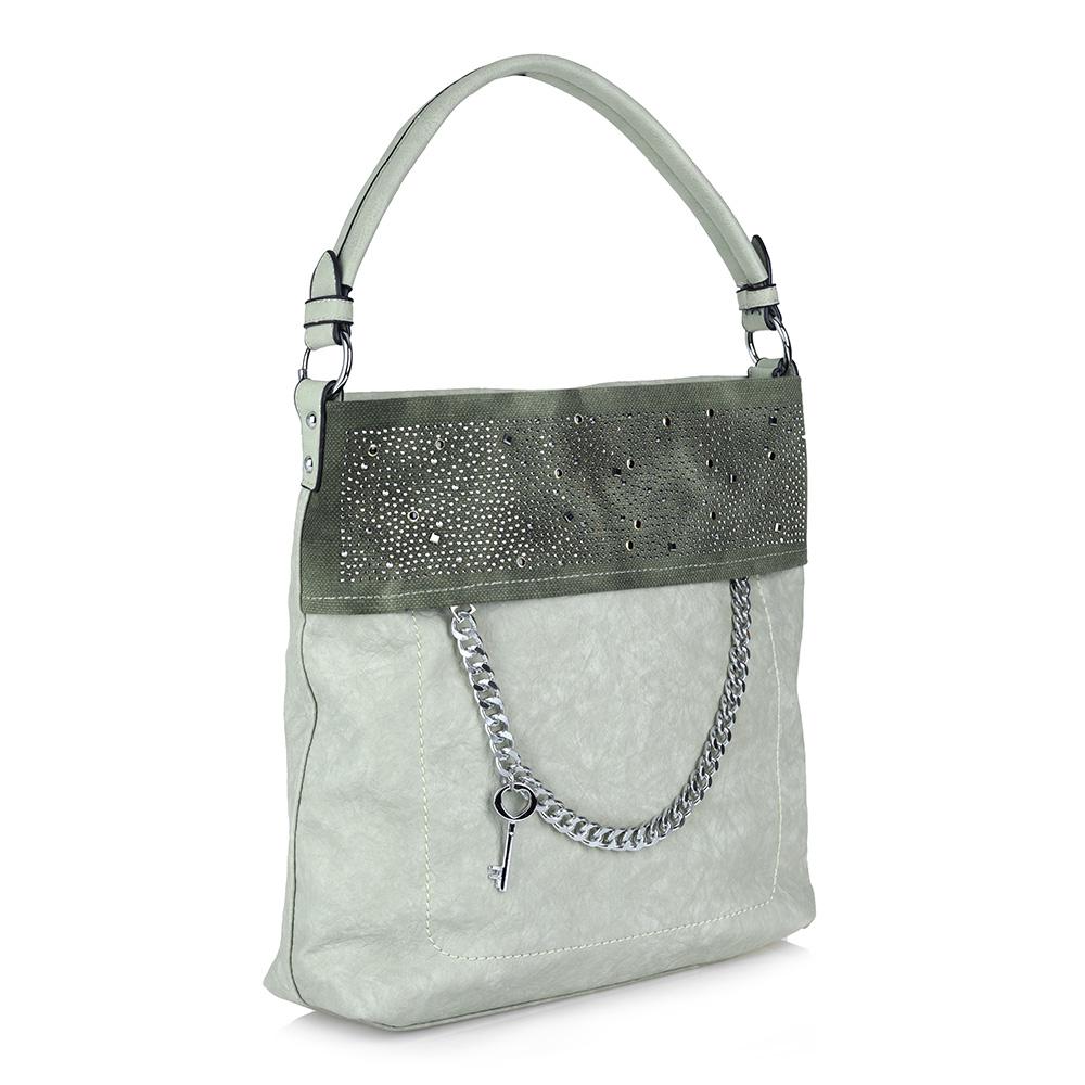 Вместительная зеленая сумка с декором фото
