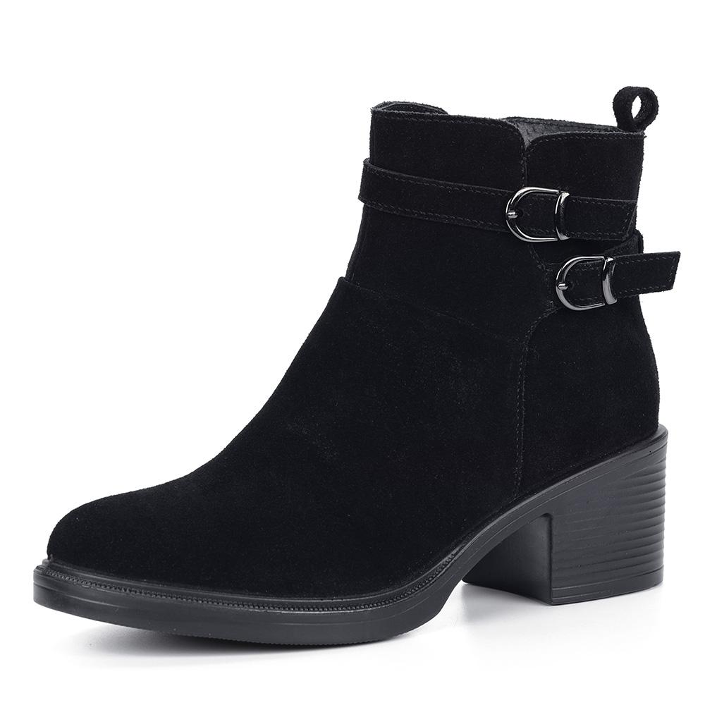 Черные ботинки из велюра на каблуке