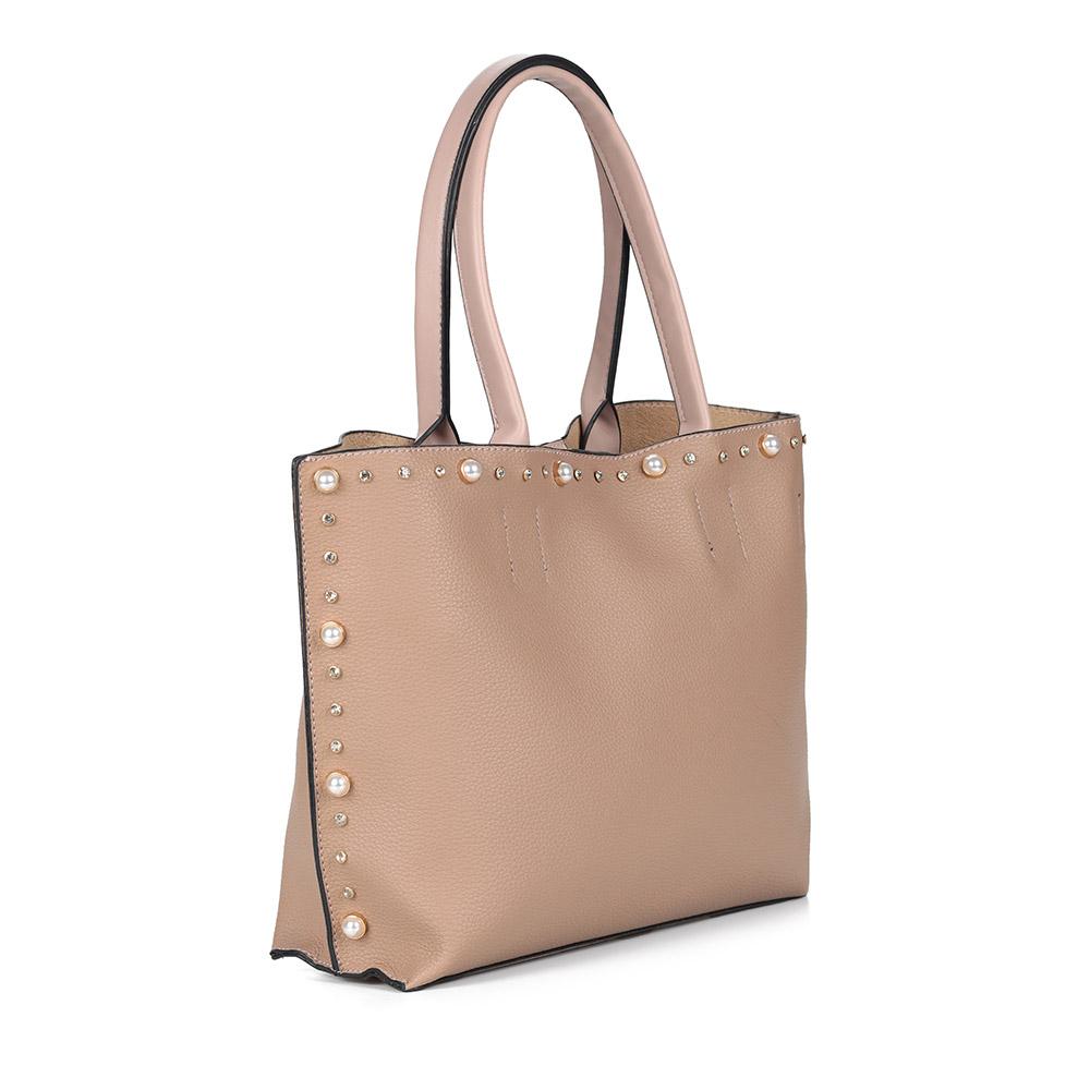 Бежевая сумка из экокожи с декором фото