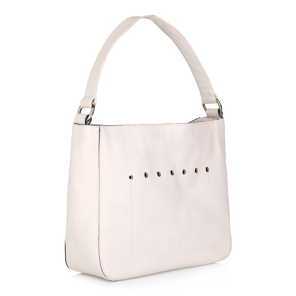 Белая кожаная сумка с клепками фото