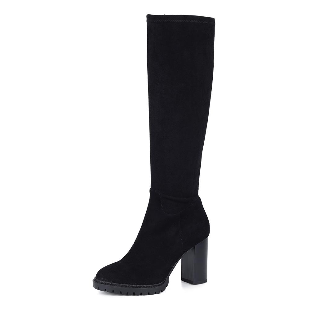 Черные велюровые сапоги на каблуке