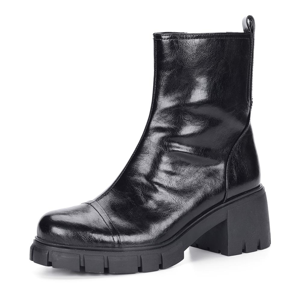 Черные ботинки из кожи на массивной подошве
