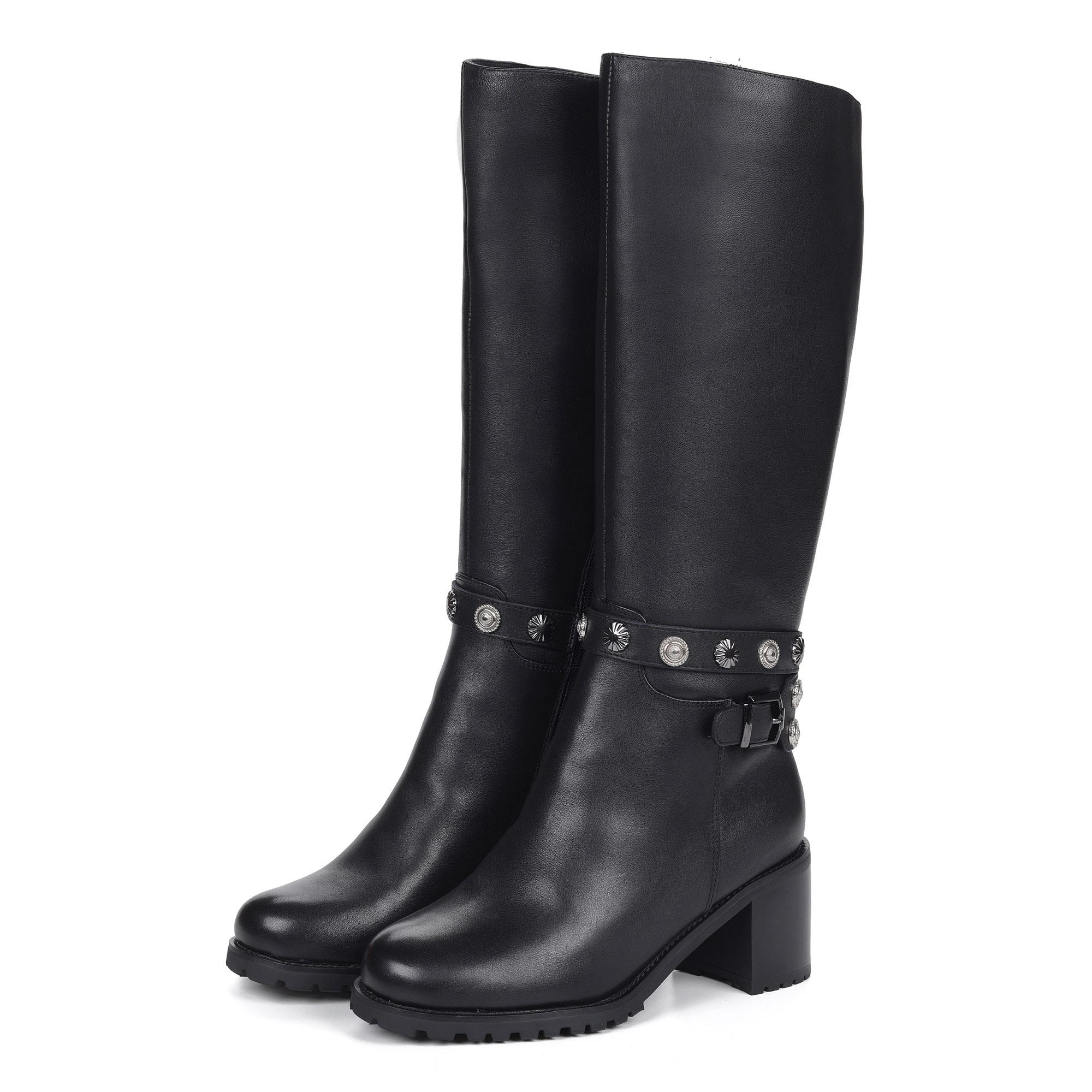 Черные кожаные сапоги с ремешком